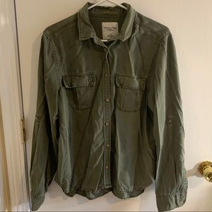 American Eagle Size L button down in olive green